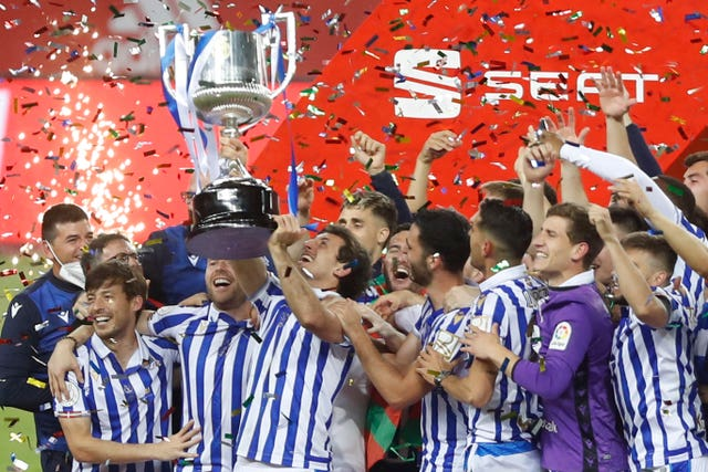 Real Sociedad lift the trophy