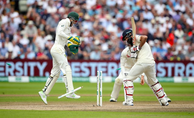 Moeen Ali shoulders arms and loses his off stump to Lyon