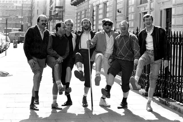 Willie Thorne (left) with Chas 'n' Dave and the 'Matchroom Mob' at the release of 'Snooker Loopy'