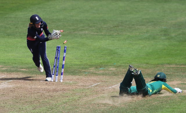 Sarah Taylor, left, is widely regarded as one of the best wicketkeepers in the world (David Davies/PA)
