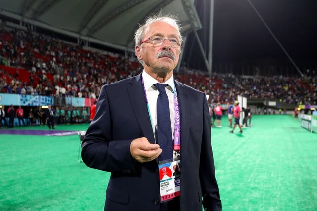 France Head Coach Jacques Brunel could have to deal with a player revolt