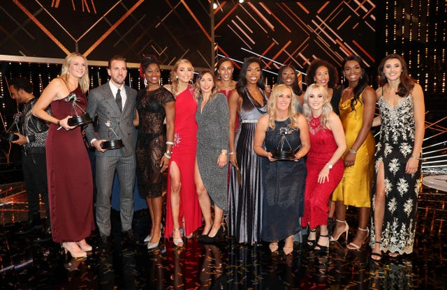 Tracey Neville and the England netball team were honoured with two prizes at Sunday's BBC Sports Personality of the Year show