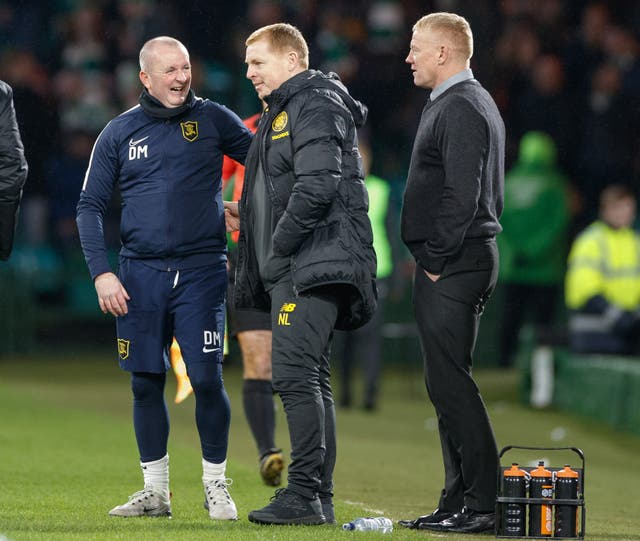 David Martindale, left, with Neil Lennon and Gary Holt