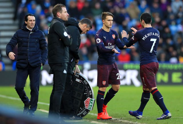 Unai Emery thinks Arsenal are outsiders for the Premier League's top four