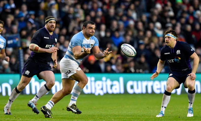 Argentina's Agustin Creevy (centre) has accused England of playing 'boring' rugby.