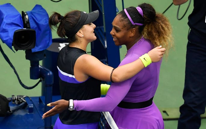 Serena Williams congratulates Bianca Andreescu on her victory