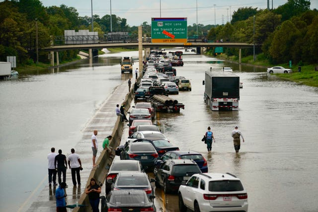 Stranded vehicles on Interstate 10