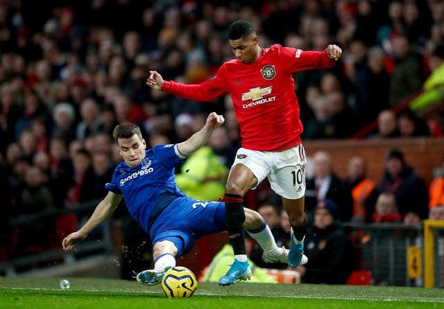 Manchester United were held to a 1-1 draw by Everton on Sunday