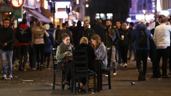 Jump in average pub spend in hour before 10pm curfew, research shows