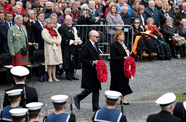 United States Ambassador Robert 'Woody' Johnson and Cabinet Secretary for Culture, Tourism and External Affairs Fiona Hyslop lay wreathes (Jane Barlow/PA)
