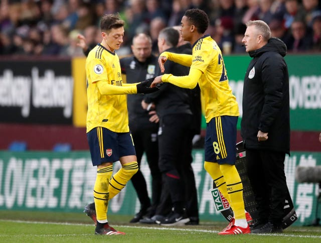 Mesut Ozil is replaced following another below-par performance from the Arsenal midfielder. The Gunners drew 0-0 with Burnley at Turf Moor