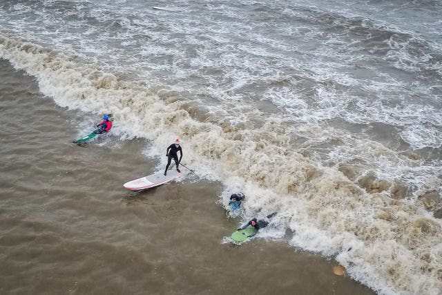 Surfers Ride The First Five Star Severn Bore Of 2019 Aol