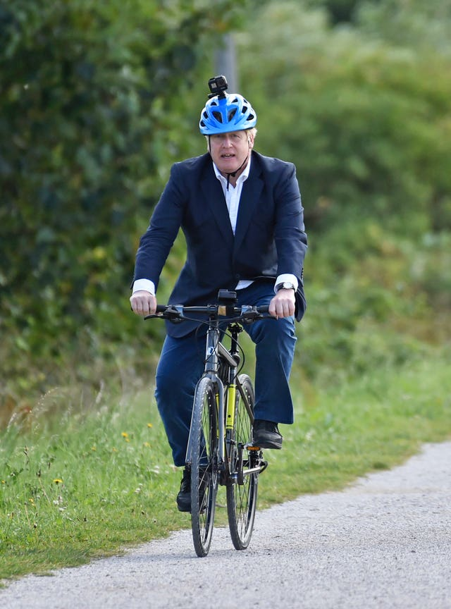 PM launches cycling initiative