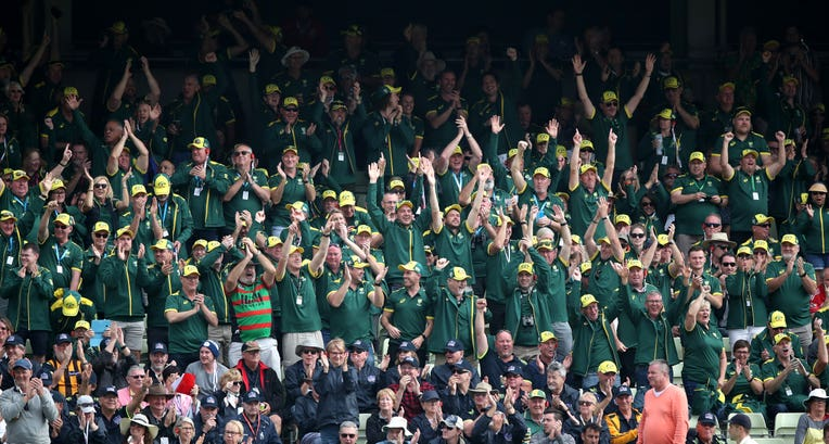 Australia fans finally woke up as their side battled back