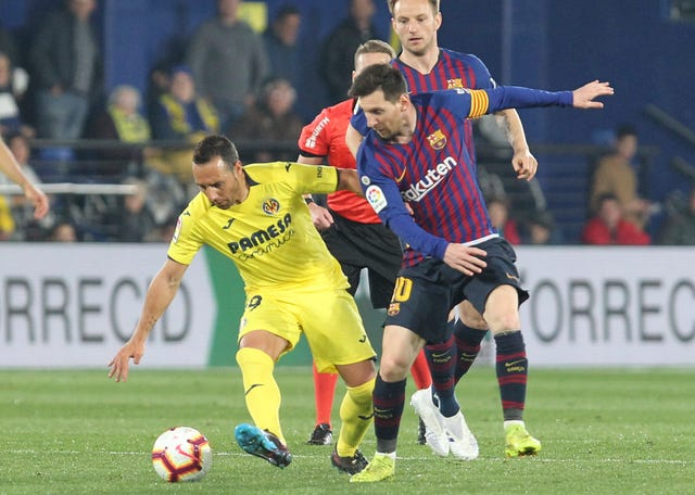 Lionel Messi helped title-chasing Barcelona salvage a 4-4 draw at Villarreal in midweek