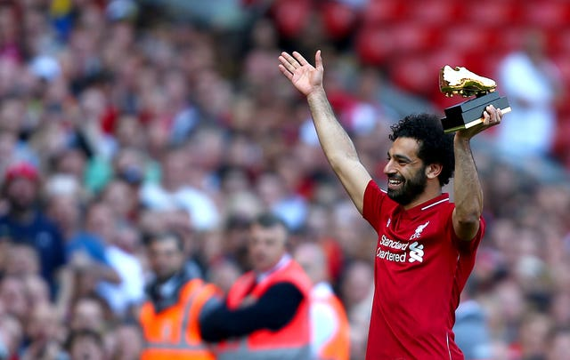 Mohamed Salah with his Golden Boot trophy in 2018