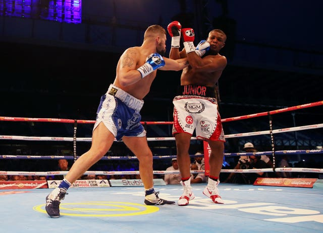 Bellew, left, overcame an early knockdown to beat Makabu