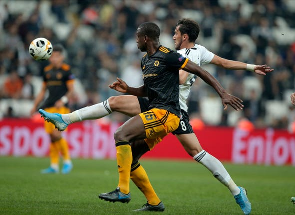 Willy Boly fights for the ball