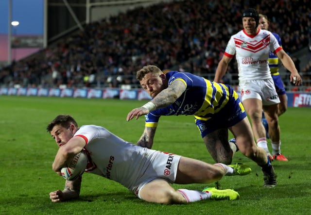 Saint Helens Mark Percival scores as his side beat Warrington 38-12 in the Betfred Super League