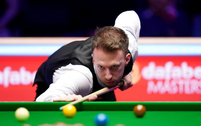 Judd Trump trails Tom Ford in first round of World Snooker Championship