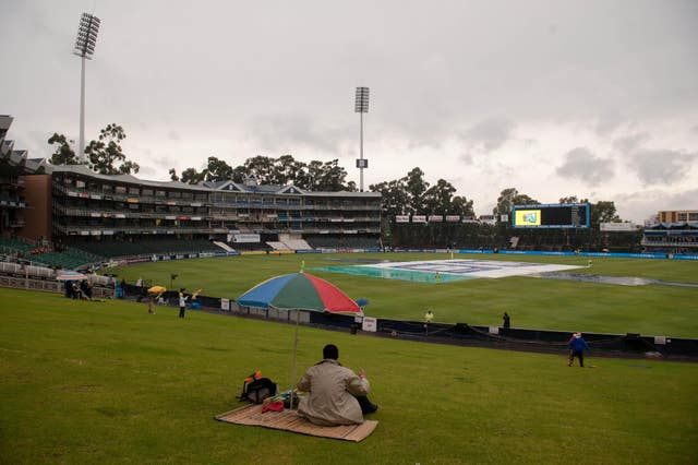 Cricket – First One Day International – South Africa v England – New Wanderers Stadium