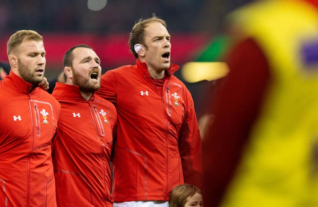 Alun Wyn Jones, right