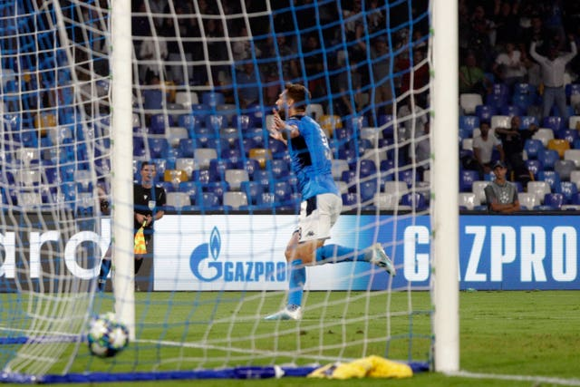 Fernando Llorente adds a late second goal for Napoli