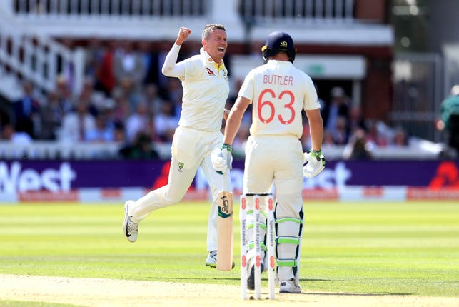 Peter Siddle celebrates getting rid of Jos Buttler