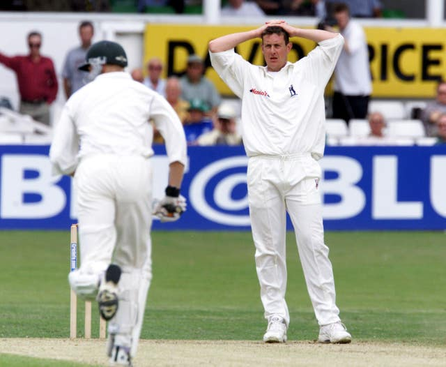 As a Warwickshire player Giles was initially opposed to the introduction of Twenty20 cricket
