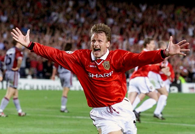 Teddy Sheringham celebrates after equalising against Bayern Munich in the Champions League final