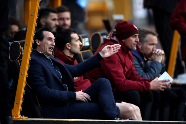 Emery issues instructions from the dugout at Molineux