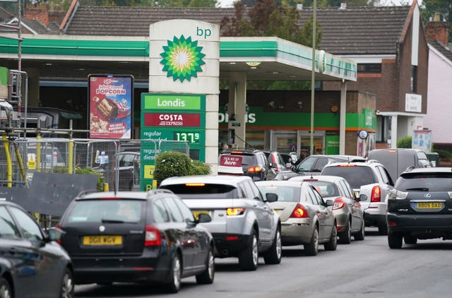 Vehicles queuing last week up outside a BP petrol station in Alton, Hampshire