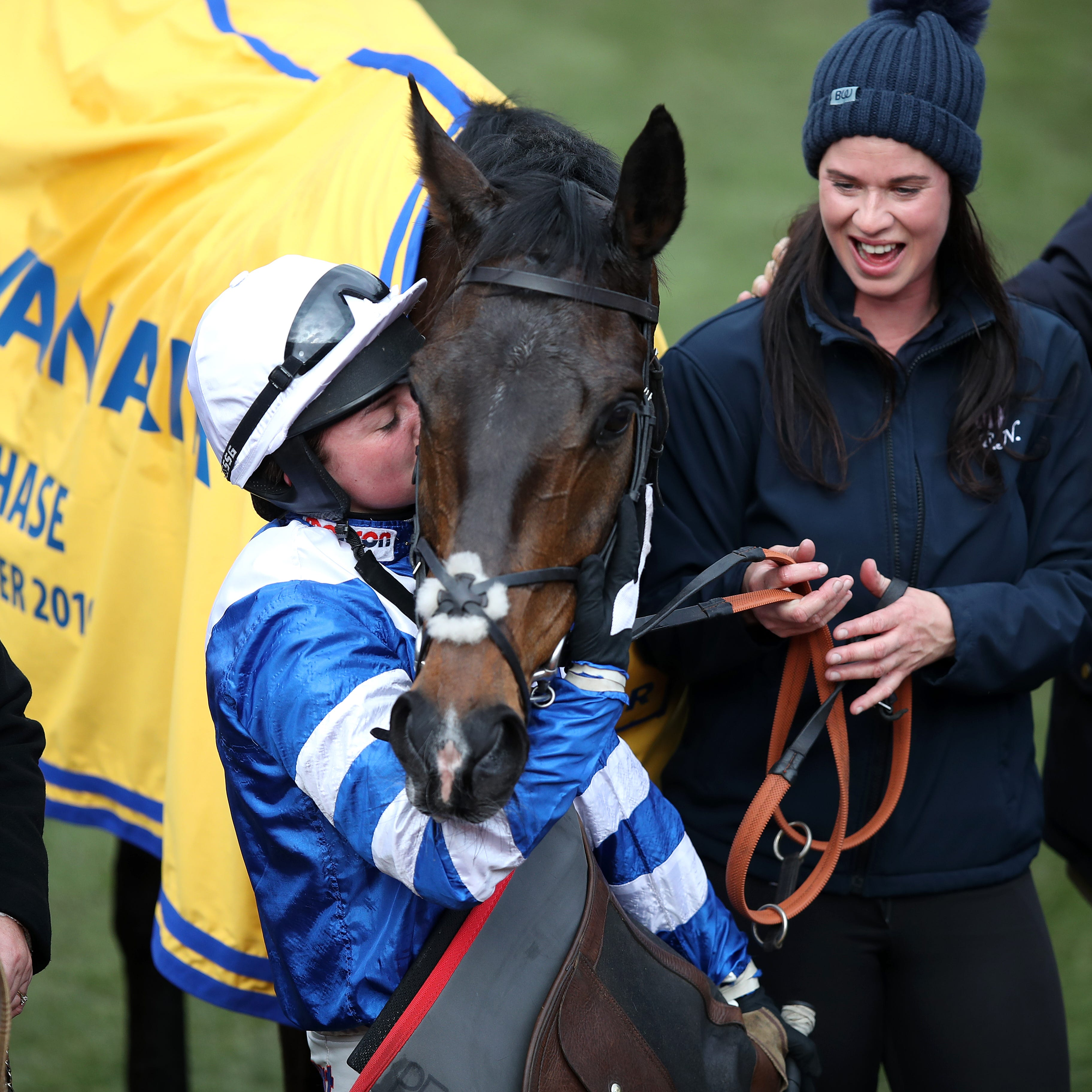 Bryony Frost gives Ryanair Chase hero Frodon a well-deserved kiss