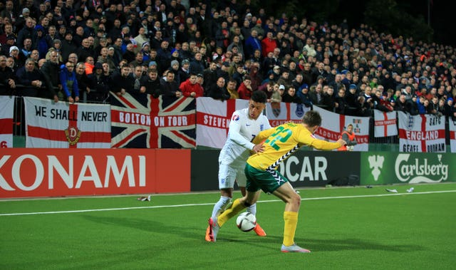 England eased to victory in Vilnius