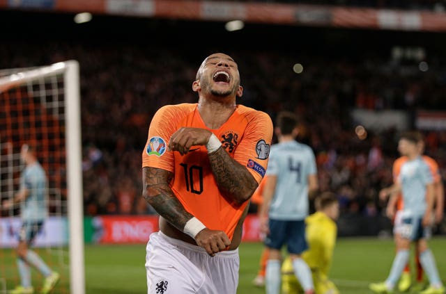 Depay hit a late third goal as Holland completed their comeback against Northern Ireland