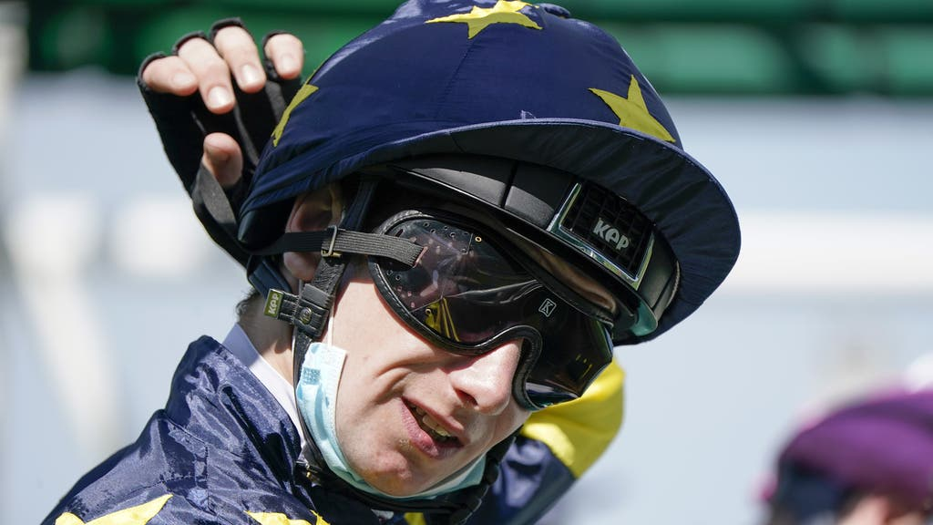 Oisin Murphy enjoyed a good day at the office at Ffos Las