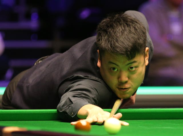 Liang Wenbo won all three matches at the loss of just one frame