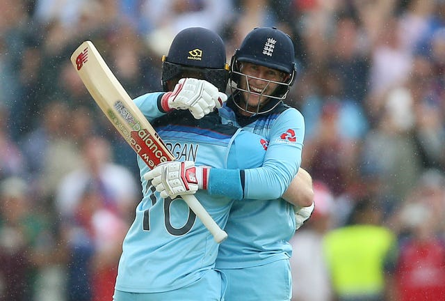 Eoin Morgan (left) and Joe Root guided England to victory over Australia