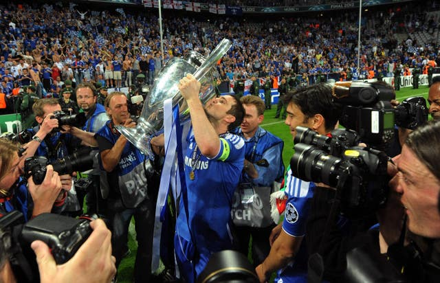 Lampard kisses the Champions League trophy after Chelsea's success in 2012