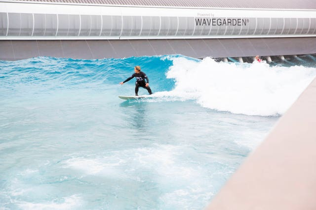 Wave ambassador and Olympic snowboarder Jenny Jones tries out The Wave