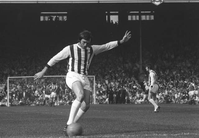 A coroner ruled that the death of former England striker Jeff Astle was caused by repeated heading of a football