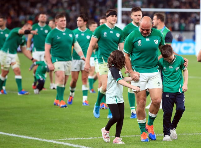 Rory Best (front centre)