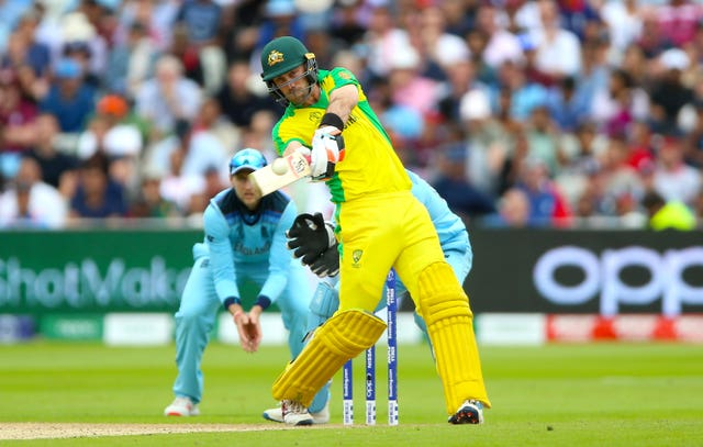 Smith bats on for Australia