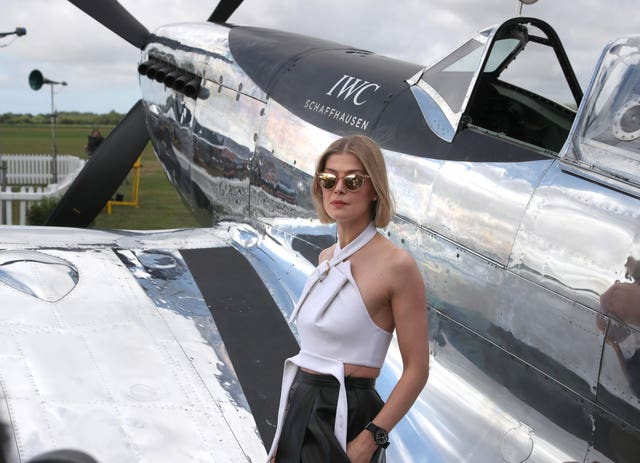 Pilots take off in bid to fly 1943 Spitfire around the world