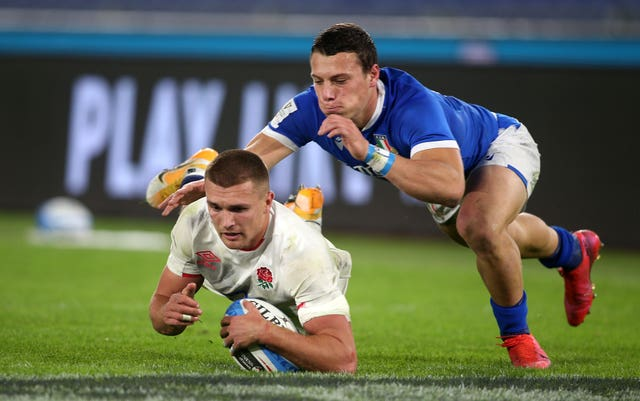Henry Slade is a key component of England's backline
