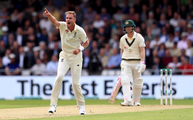 Broad appears to have the wood on Warner