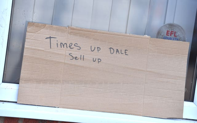 Fans want Dale to sell