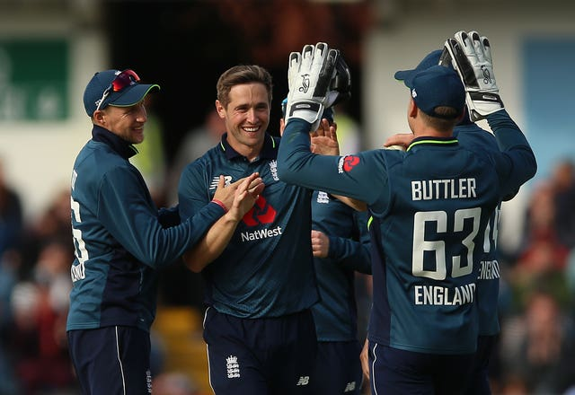 Chris Woakes takes a five-for as England complete a 4-0 series victory over Pakistan at Headingley