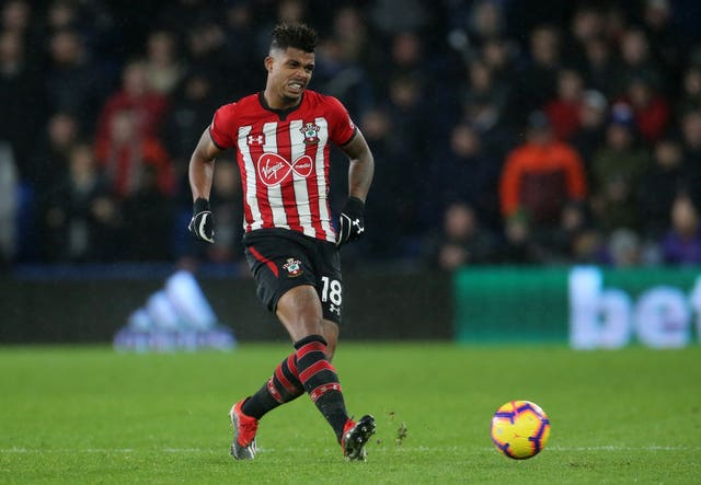 Southampton midfielder Mario Lemina has attracted the interest of United.