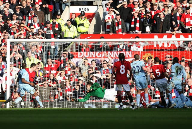 Soccer – Barclays Premier League – Manchester United v Manchester City – Old Trafford